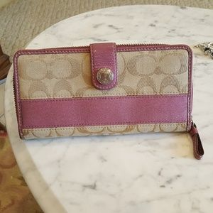 AUTHENTIC COACH ZIPPERED CHECKBOOK WALLET MAUVE
